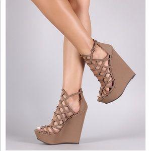 Breckelles Strapped Platform Wedge Sandals 6.5